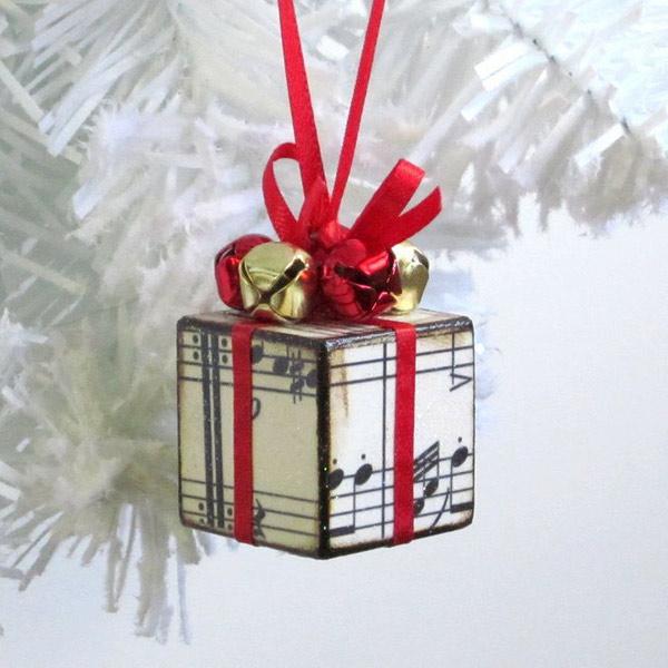 Regalito arbol navidad partitura decoupage