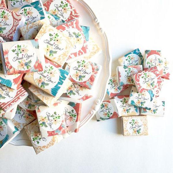 Jabones envueltos con papel agradecimiento invitados boda