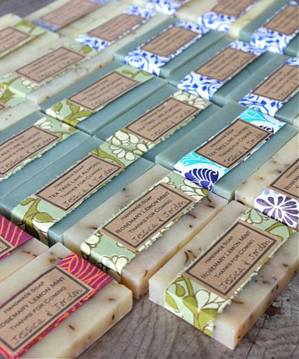 Jabones envueltos con papel japones chiyogami para detalles de boda