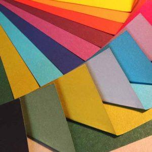 Papel origami liso de colores