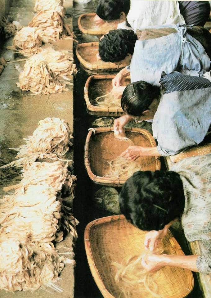 fabricación papel japones tradicional