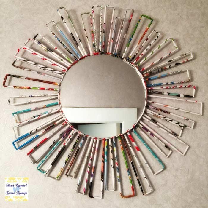 Marco para espejo realizado con papel de periodico