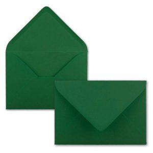 Sobres color verde para invitaciones