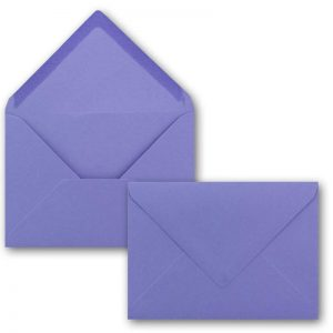 Sobres color lila para invitaciones