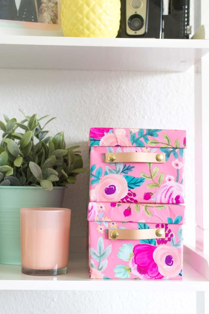 Cajas de carton IKEA forradas con papel de regalo