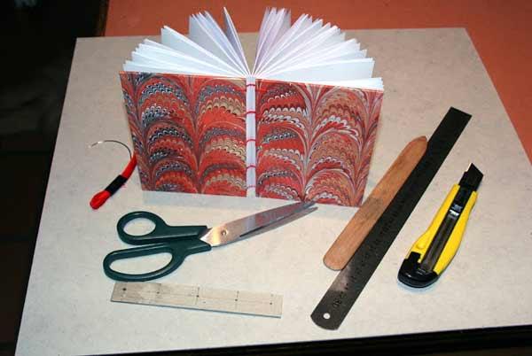 Encuadernacion copta fácil: materiales necesarios