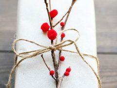 Envoltorios para regalos con elementos naturales
